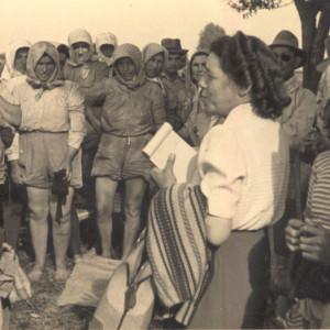 Renata Viganò con le mondine di Bentivoglio, 25 aprile 1952