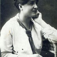 Ada Gregori Tagliavini, 1919, scatto in occasione del diploma