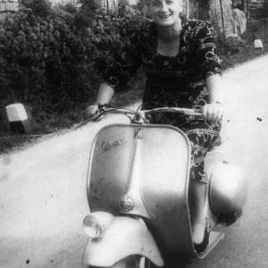 Maria Trebbi in Vespa