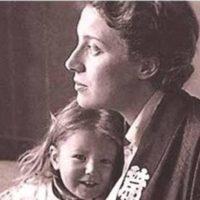 Topazia Alliata con la piccola Dacia Maraini
