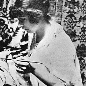Rebeca Matte Bello al lavoro in una foto del 1907