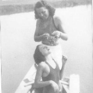 Maria Lazzari con la figlia Giuliana nell'estate del 1940