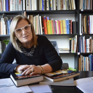 Anty Pansera nel suo studio. Foto di Patrizia Sacchi